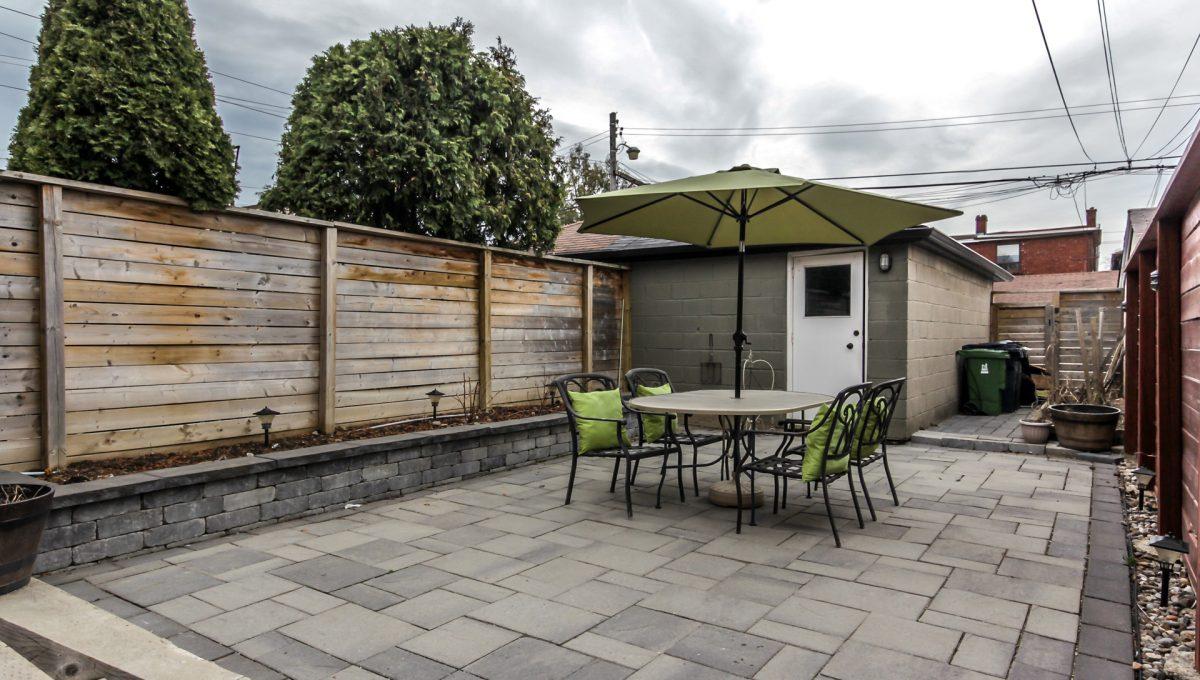 06_backyard