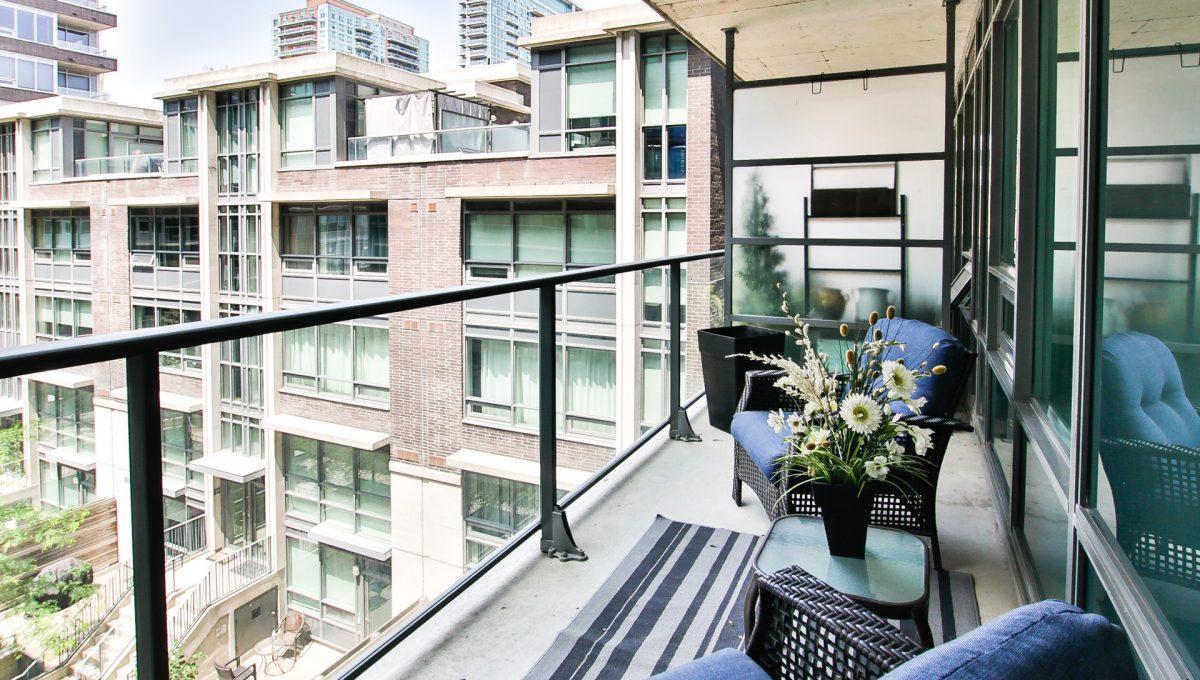 19_balcony