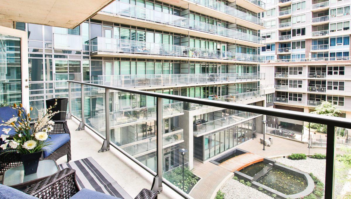 20_balcony