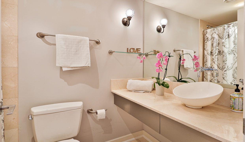 35_Bathroom